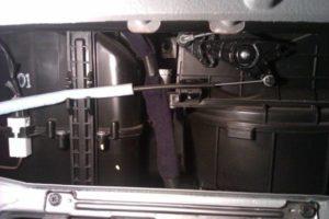 Замена салонного фильтра Hyundai Accent