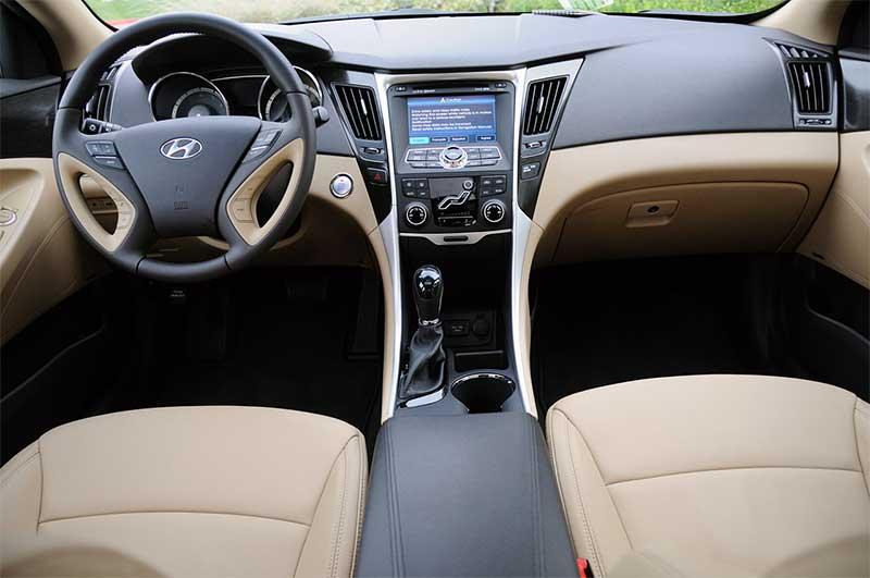 Hyundai-Sonata-2011-салон