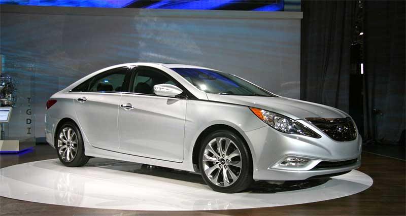 Hyundai-Sonata-2011-на-выставке
