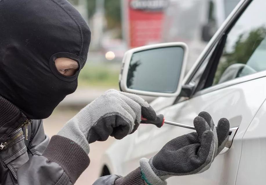 Как защитить автомобиль от угона и ограбления своими руками